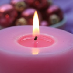 782087-pink-candle